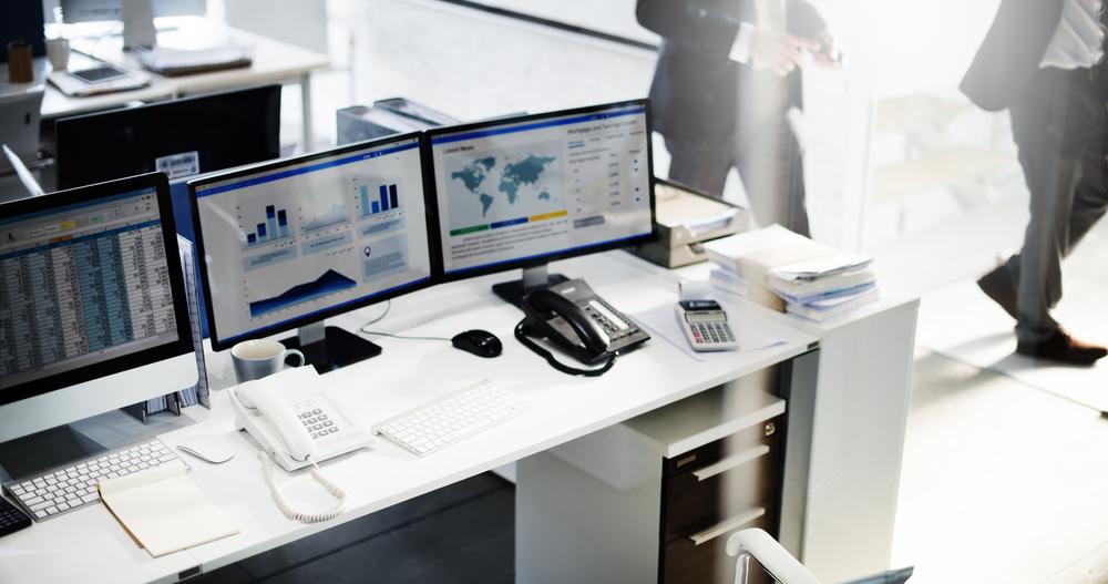 オフィスレイアウトで重要なデスク間の距離